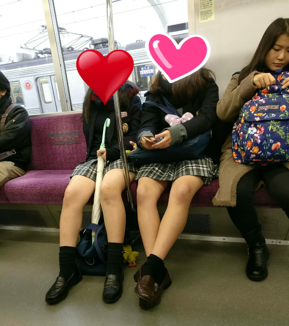 電車で女子高生のムチムチ生脚撮ったったwwwwww Hr55CAg