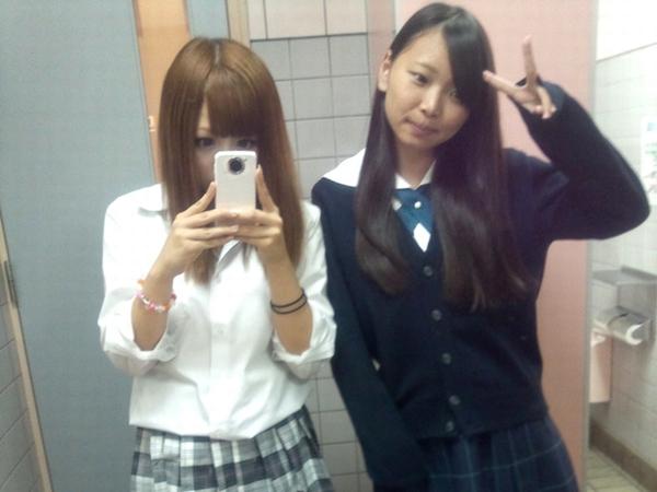 高校時代に恋人出来なかった陰キャに送る☆☆10代小娘のちょっぴりセックスな日常写真スレwwwwwwwwwwww
