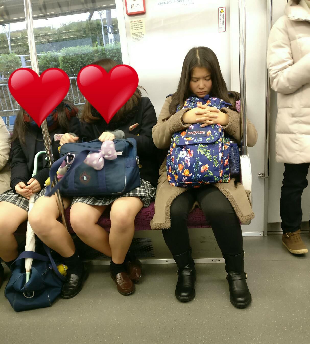 電車で女子高生のムチムチ生脚撮ったったwwwwww fqREpu6
