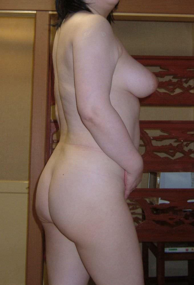 ふくよかで肉厚な身体とデカイおっぱい!!!熟女の巨乳はエロくてたまりませんwww 0415