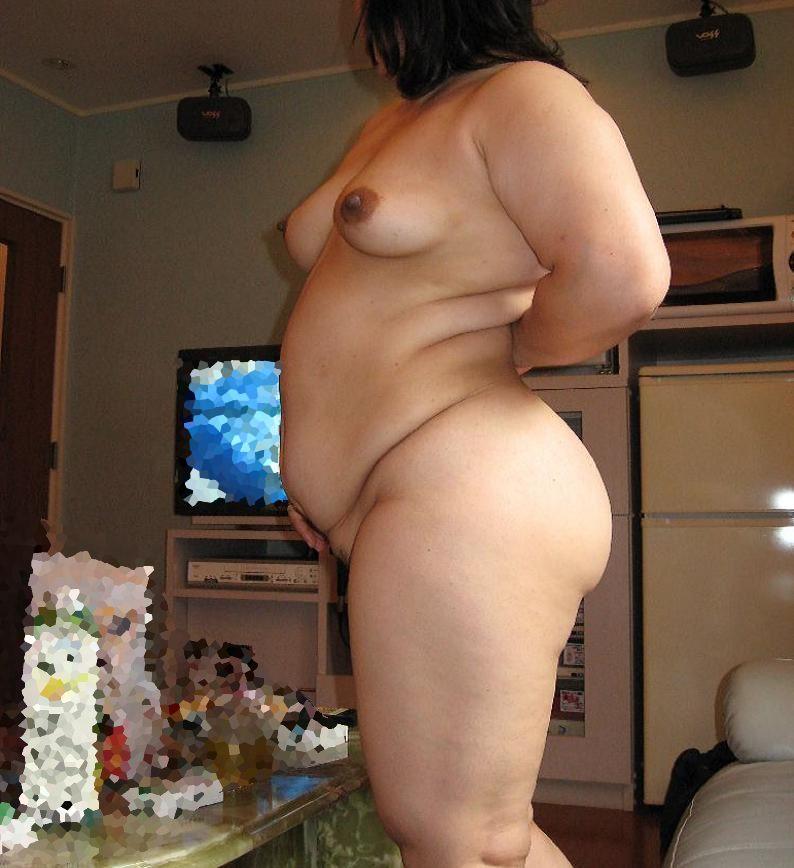 ふくよかで肉厚な身体とデカイおっぱい!!!熟女の巨乳はエロくてたまりませんwww 0417
