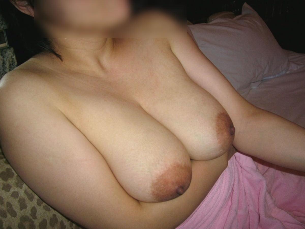 ふくよかで肉厚な身体とデカイおっぱい!!!熟女の巨乳はエロくてたまりませんwww 0421