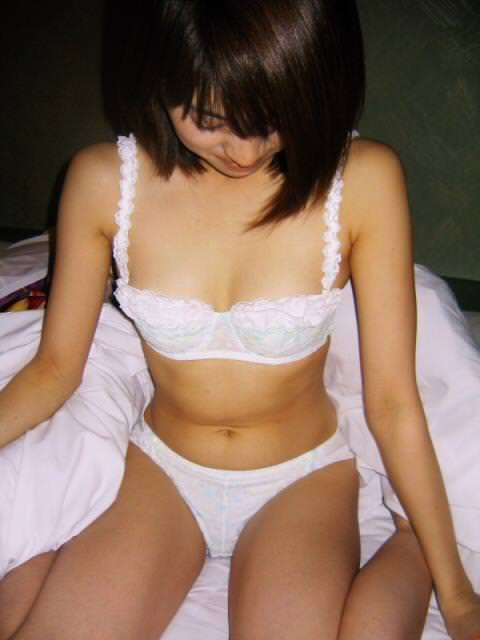 勝負下着を白で決めてきた彼女www素人娘はいつでもピュア!!! 1041