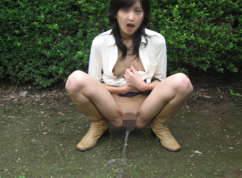 マジかわえぇwwwギャルのおしっこ!!!放尿する素人娘の画像って興奮するよねwwww 12 1