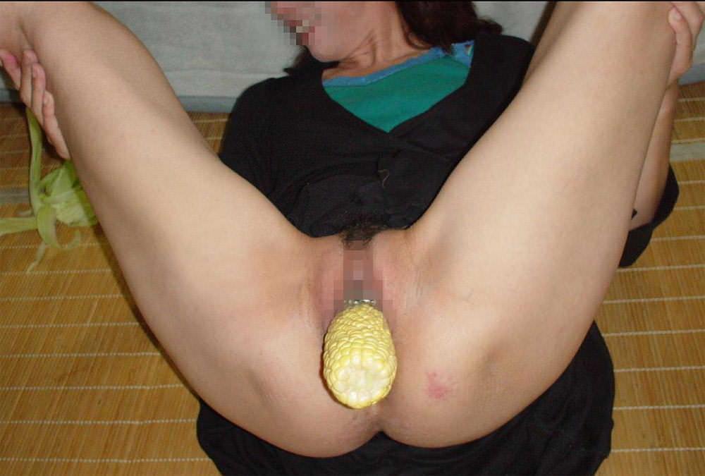 膣内挿入してないと落ち着かないwwwセックス依存症の女が異物挿入オナニーwww 2131