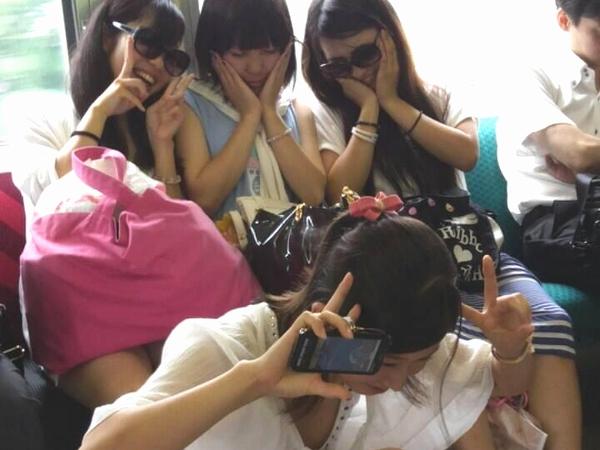 ピッチピチの10代小娘たちがはしゃぐえろ写真wwwwwwwwwwwwww