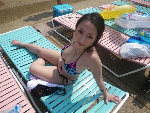 SNSに水着画像を投稿して全世界にオカズ提供してる素人娘wwwwwwww VYuvWOn