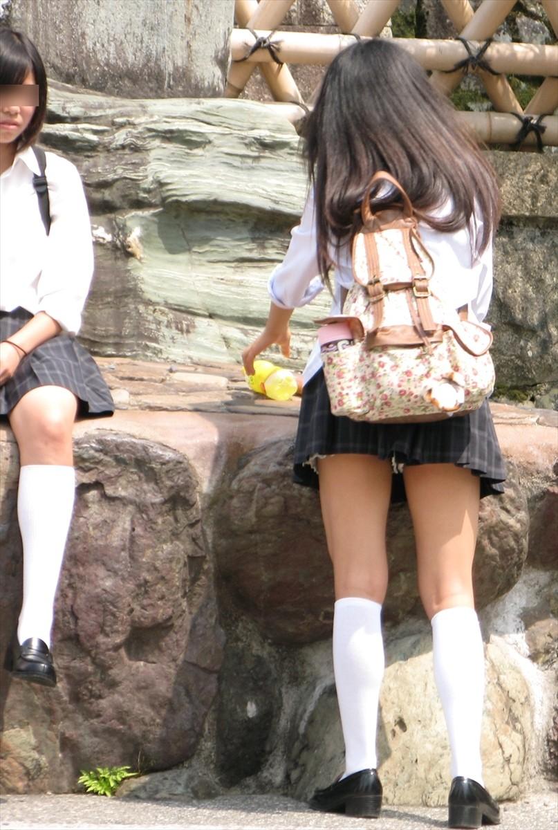 こんなエロいJKどこにいんのかねぇ~???女子校生のエッロい生脚画像www d3skCCj