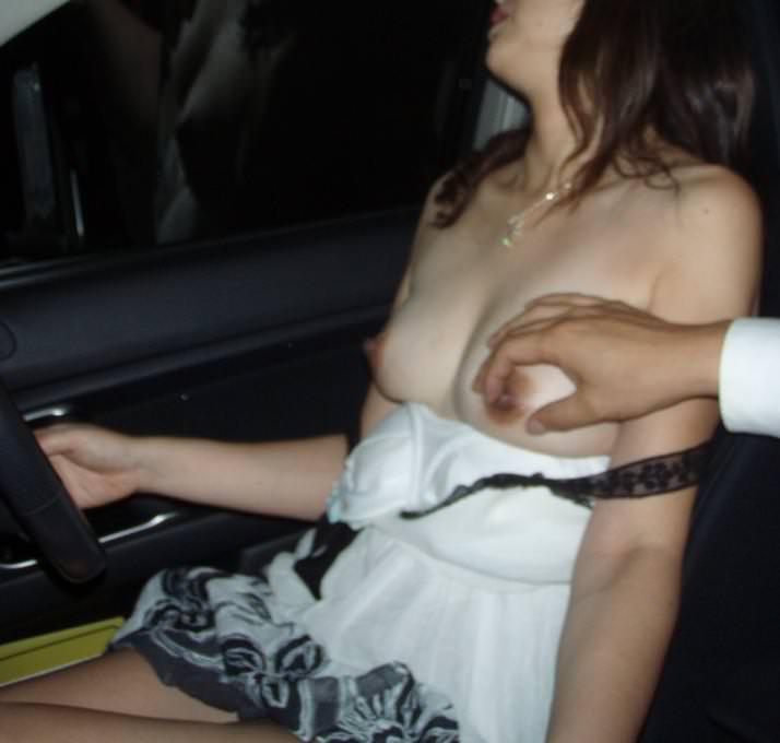 カーセックスを楽しむ変態カップルwww40代人妻が旦那や彼氏に性癖ネットに拡散されるwwww 0406