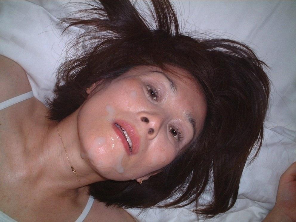 元ヤリマンの人妻OLをラブホに連れ込んで顔射したったwwwwwwww 1128