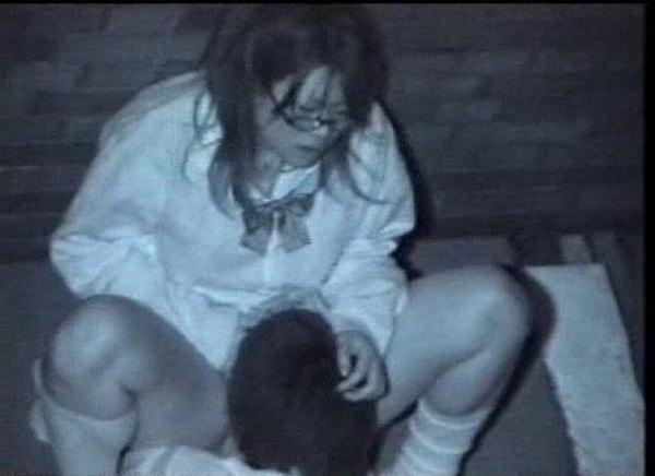 夜の公園で青姦してる奴多すぎwwwセックス夢中で隠し撮りされてるのに気づいてないwww 1226