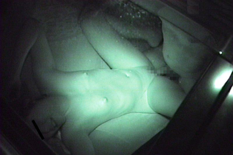 夜の公園で青姦してる奴多すぎwwwセックス夢中で隠し撮りされてるのに気づいてないwww 1231