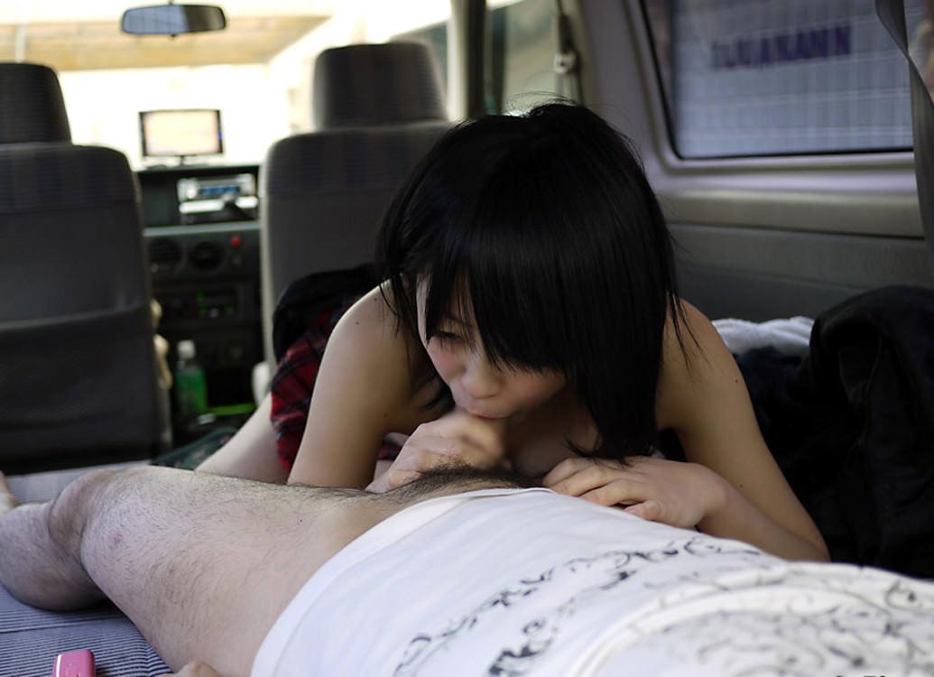 女友だち襲ってカーセックスwww車で突然ヤリはじめるのが燃えるwww 2029
