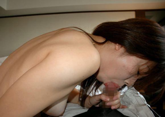 彼女の超絶フェラでザーメン出まくりwww唾液が絡んでオチンポ濡れ濡れwww 2222