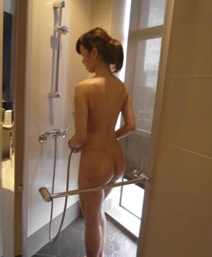お風呂で全裸の嫁www素人エロ画像の撮影してみましたwww 2403