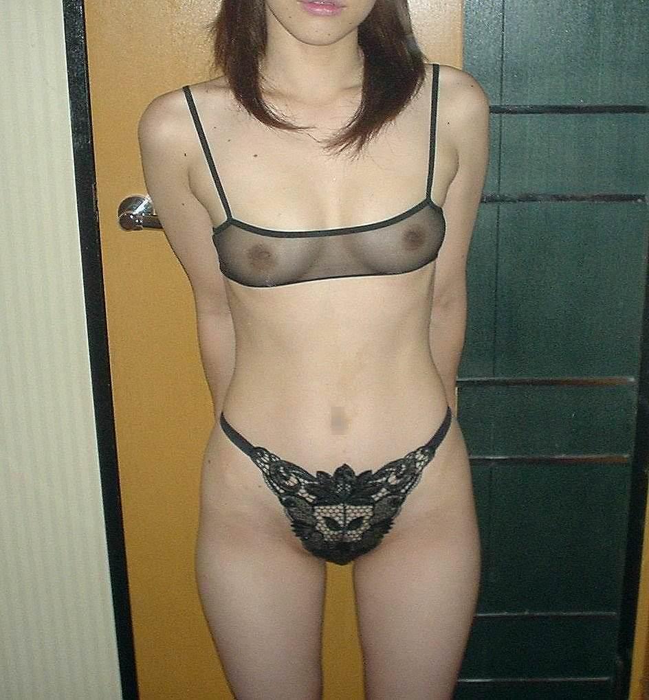 人妻のおばさんが男を誘惑するセクシーな下着姿がこちらwwwwwww 2925