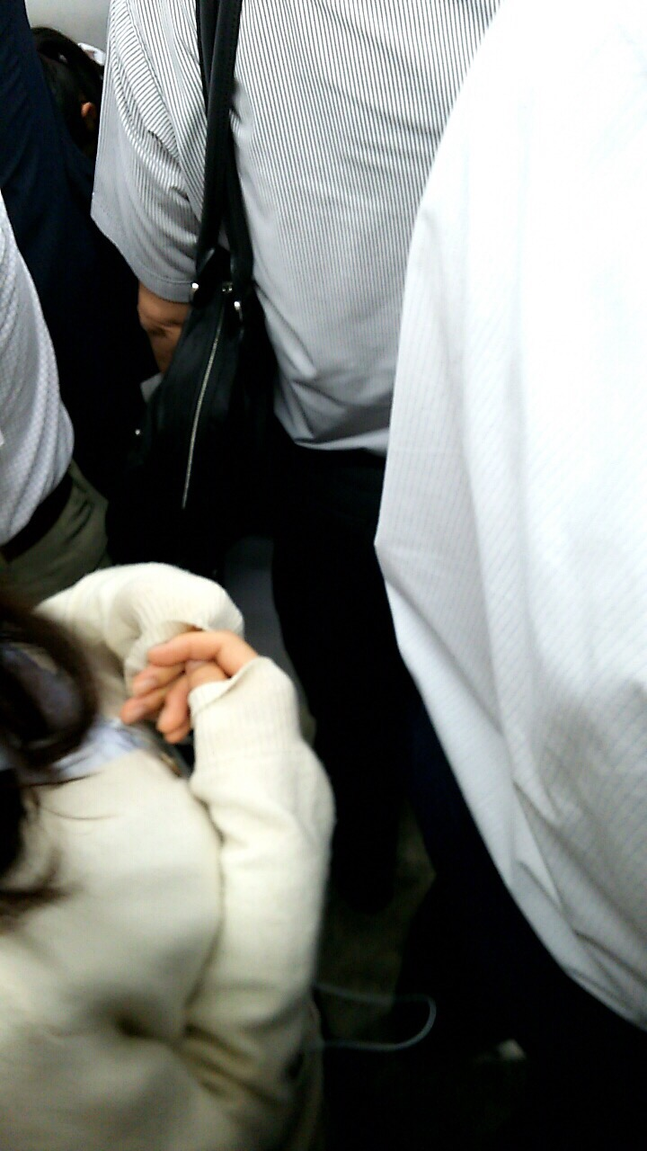 JKを電車や駅でバレないようにガン見しようね!!! gVqy3l4