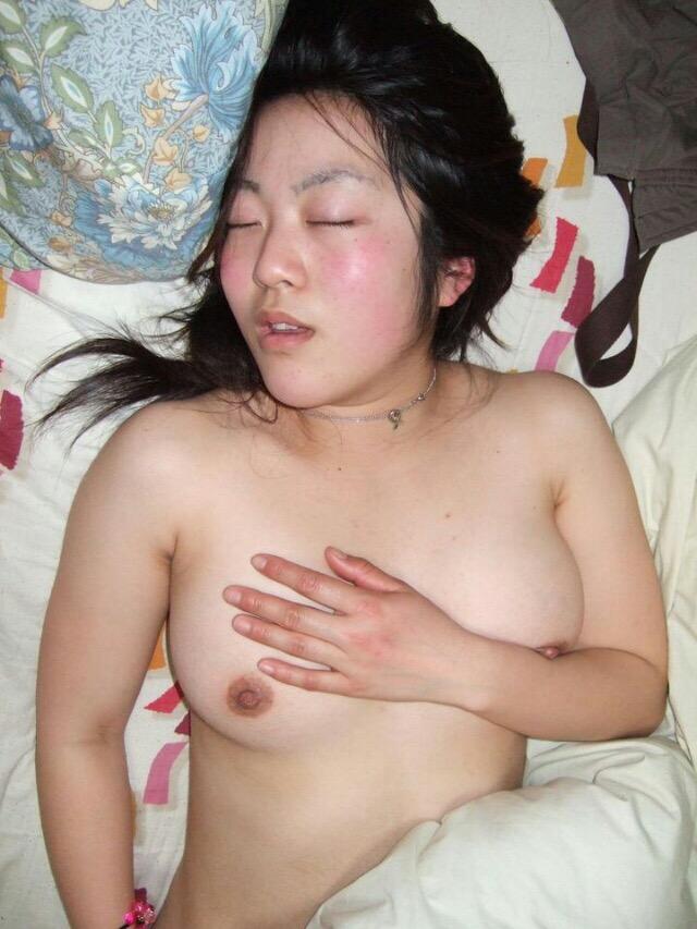 素人の女の子の裸って何でこんなにエロいんだwwwww(画像あり) klWuvrv