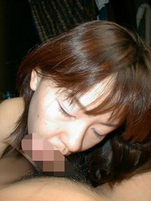 最近臭くなった旦那のチンポだけど、愛おしくフェラする人妻の鏡wwwwww 0530