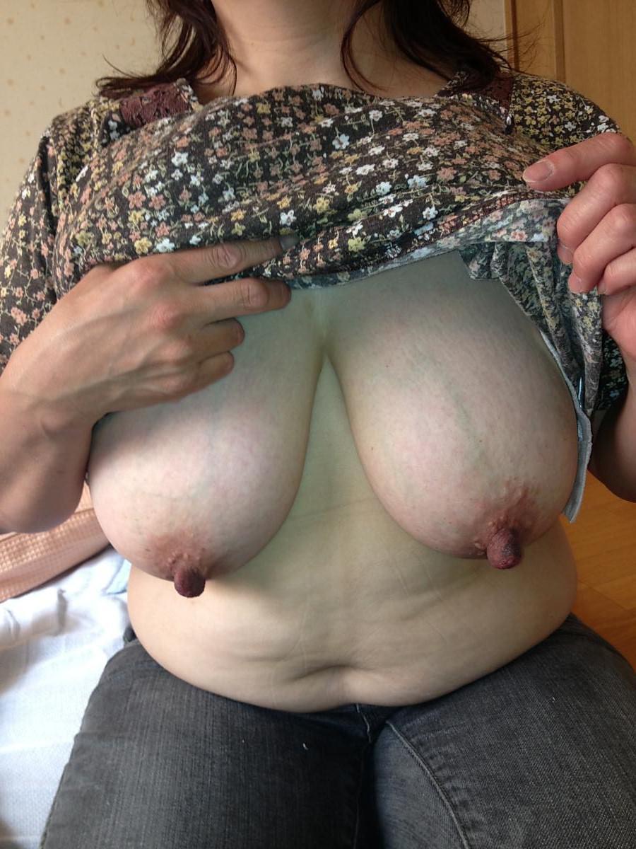 垂れ乳素人おっぱいwww寄せて上げて巨乳の出来上がり!! 0707