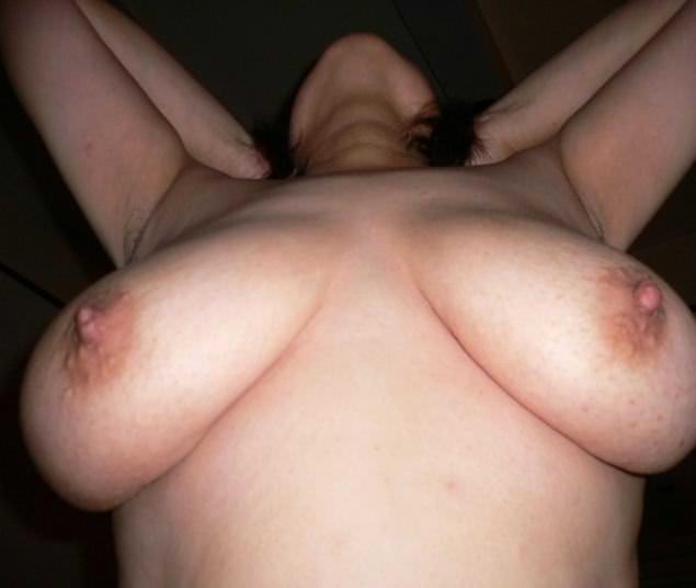 垂れ乳素人おっぱいwww寄せて上げて巨乳の出来上がり!! 0709