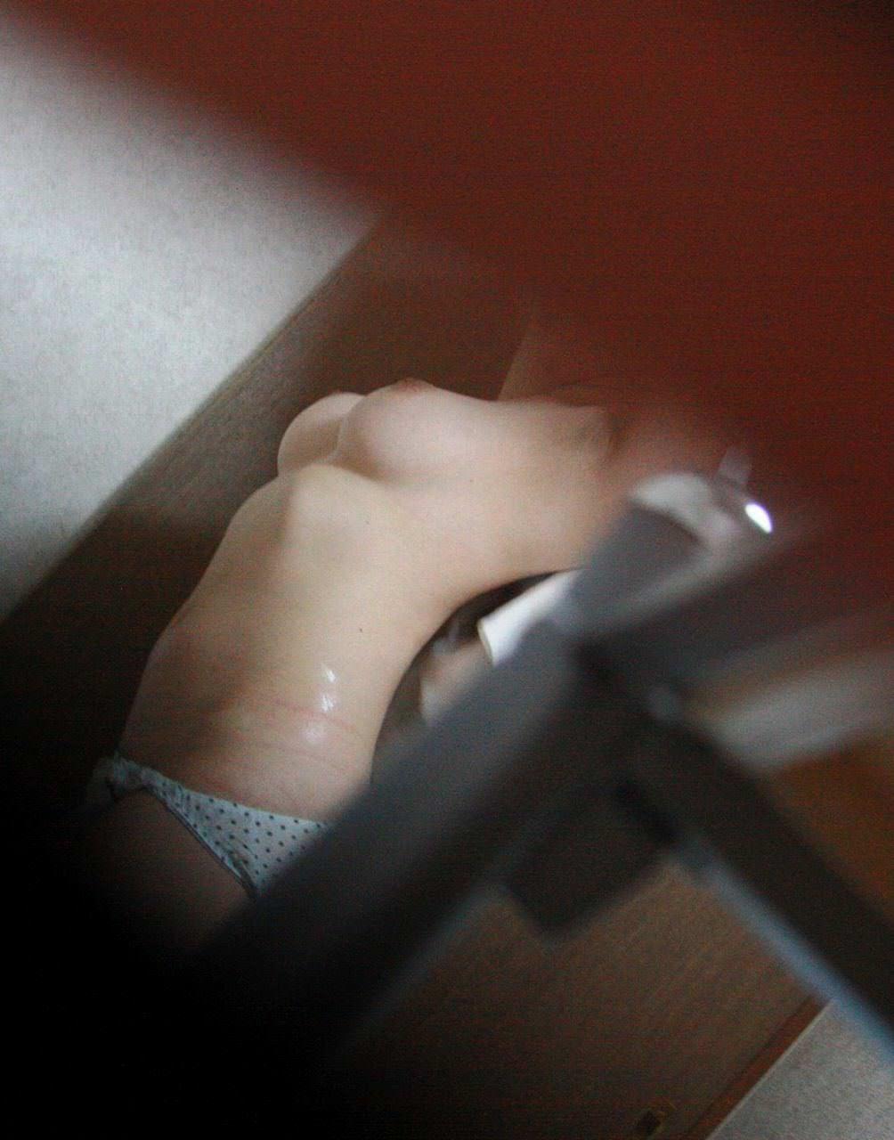同居してる入浴中の妹隠し撮りだぁーwww興奮しすぎてヤバイぞぉーwww 0732