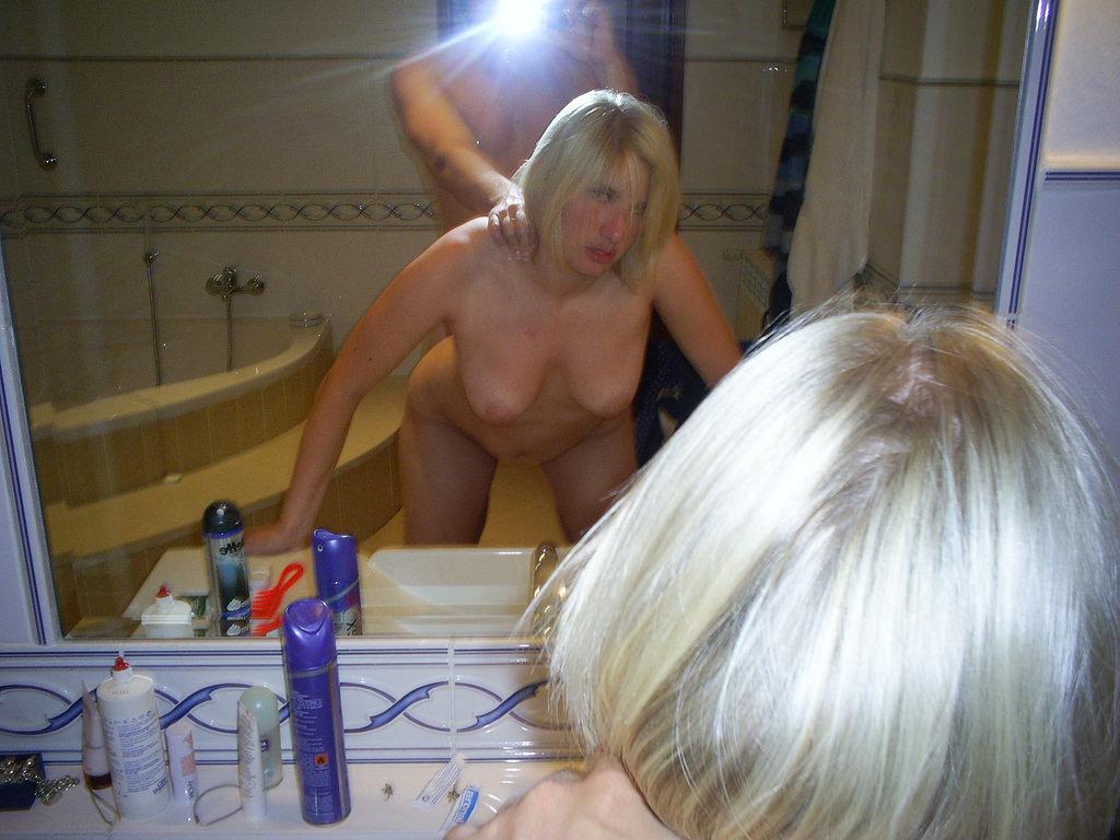 外人のハメ撮りはマジ迫力ある!!鏡越しにデカマラぶち込むぜぇwww 1773
