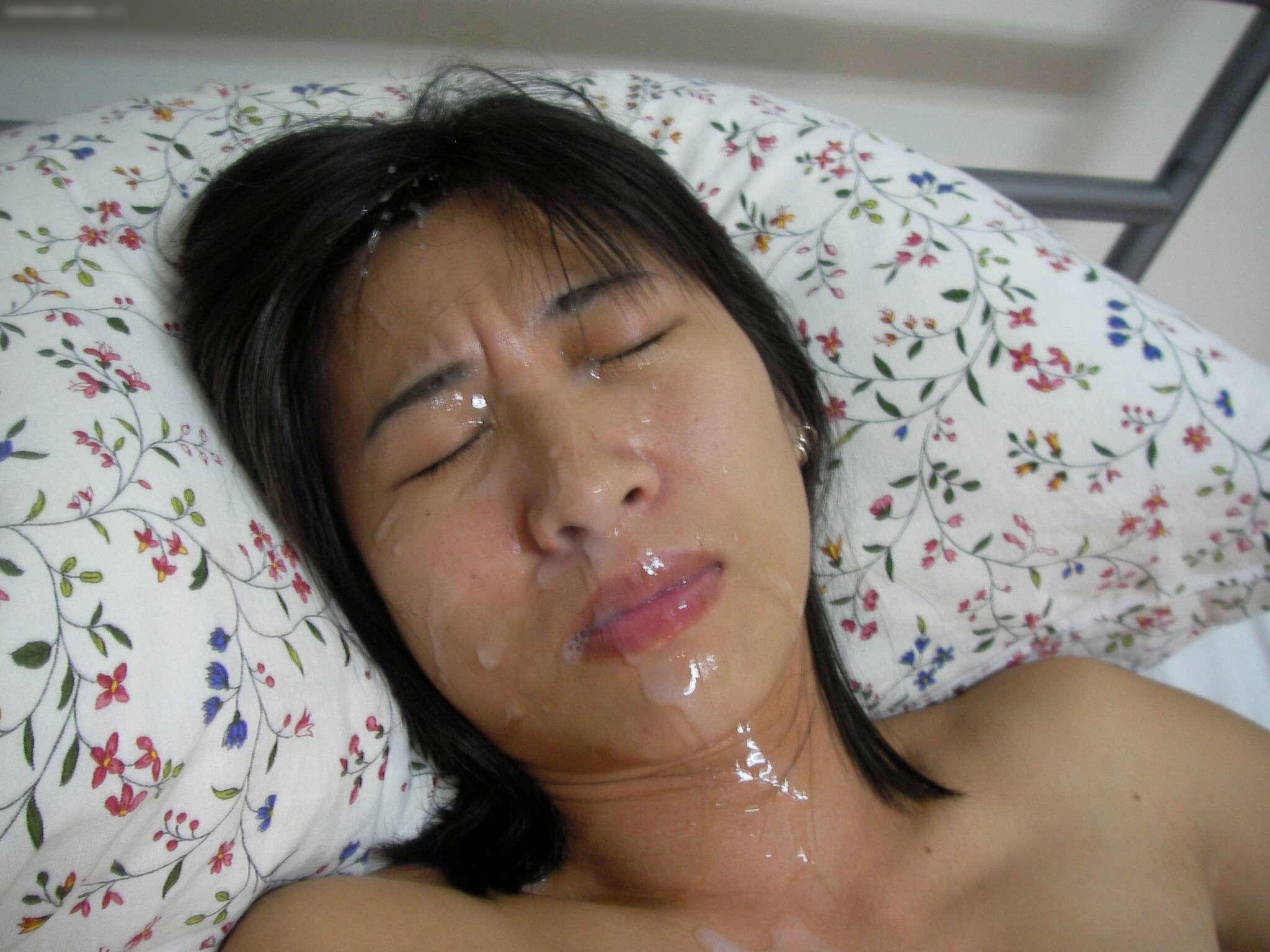 お口マンコにドバっと中出しwwwザーメン流しこむ口内射精のエロ画像 2420 1