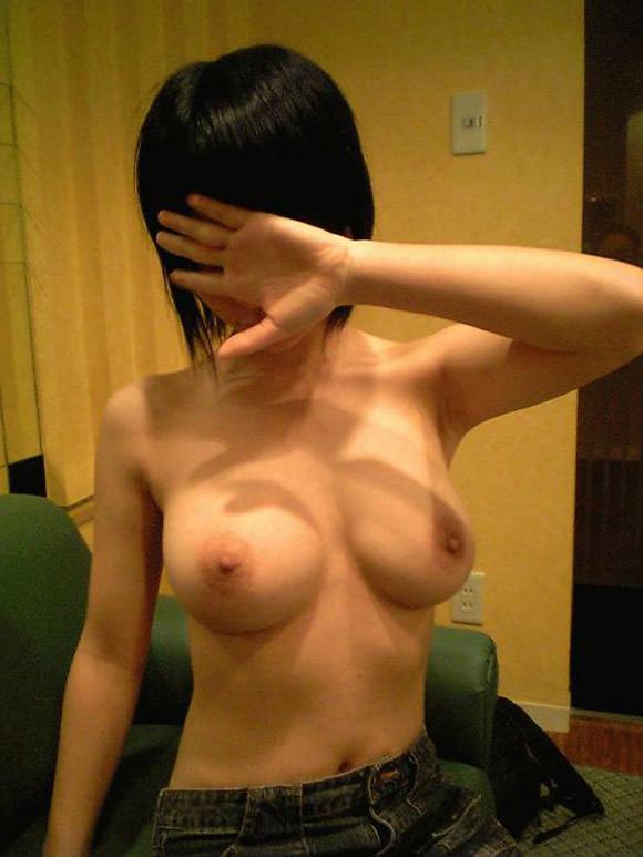 10代素人女子のおぱーいwwwピンク乳首で張りがあって大好きwww 2747
