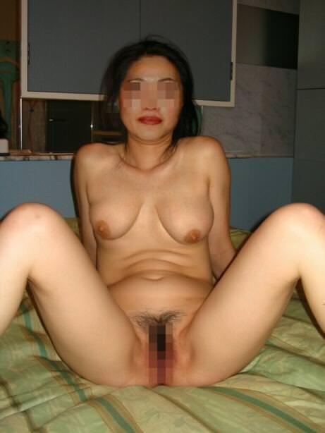 熟女のお姉さんのおまんこwww高温多湿なアマゾン状態www 2826