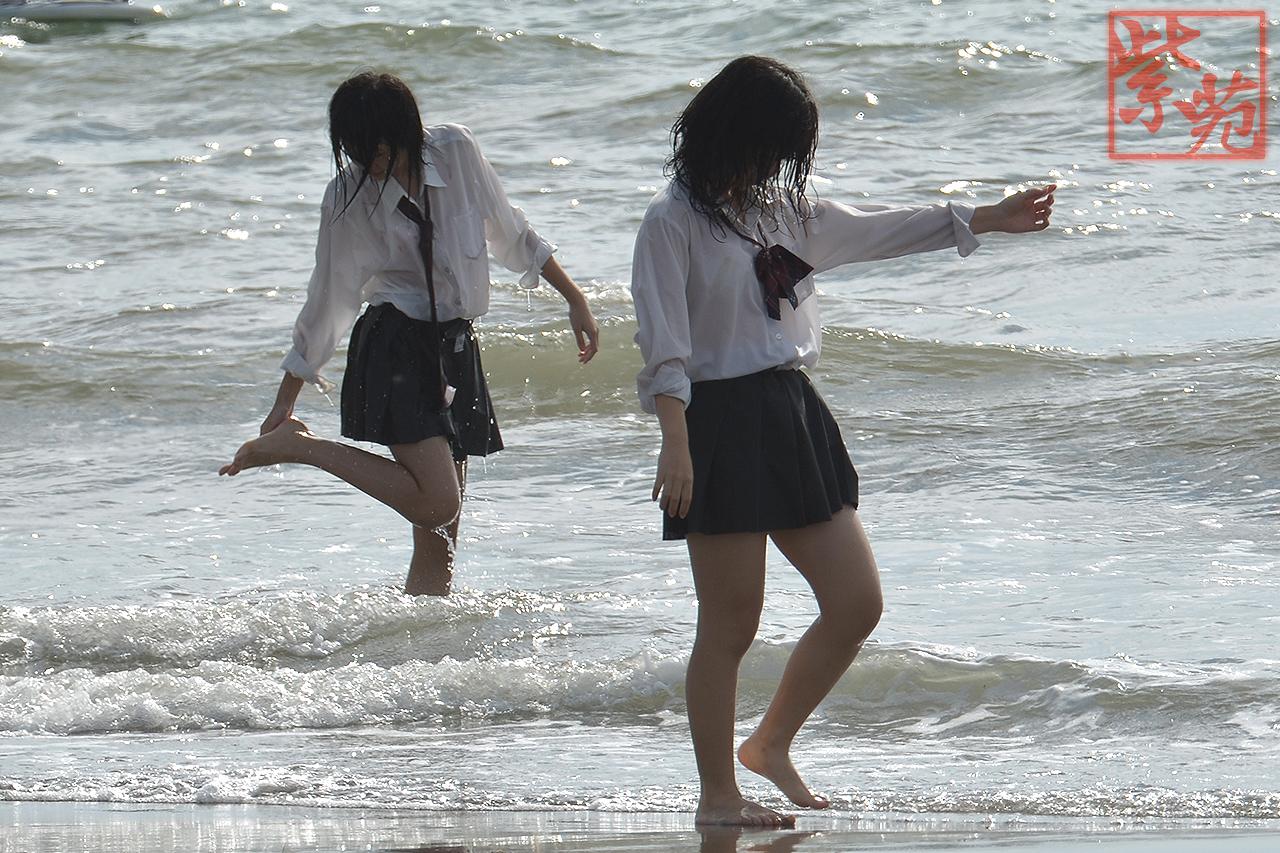 女子高生の制服透けブラ画像おーくれwwwwwwwwww ZgH6lgl