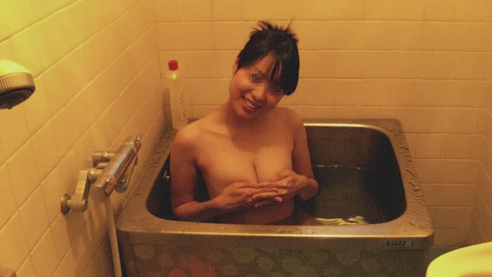 彼女の家でこっそり撮影した彼女の入浴全裸www生々しくて草wwww 0118