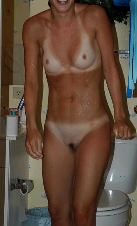 日焼け跡を残したおっぱいお尻って可愛いよなぁ~!!!彼女の日焼け画像を大公開www 0728