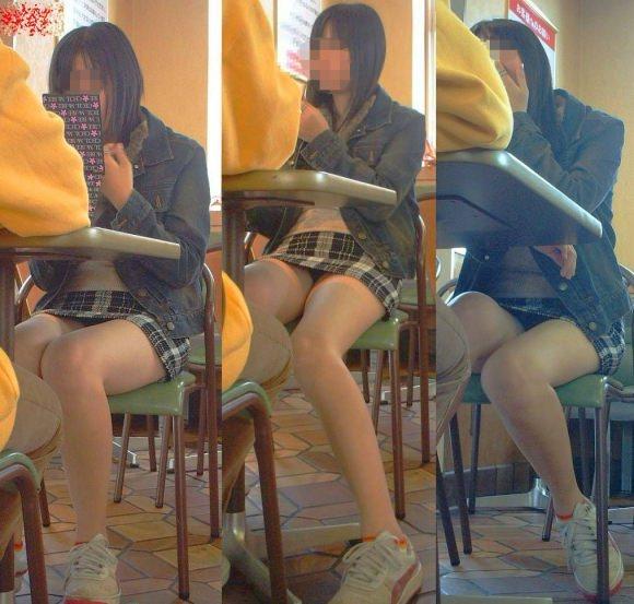 飲食店でパンチラをスマホ撮りwwwミニスカ女子は余裕すぎでしょwww 1178