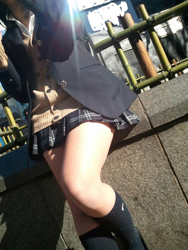 女子高生のエッチな太もも大量放出wwwwww RSORG9N