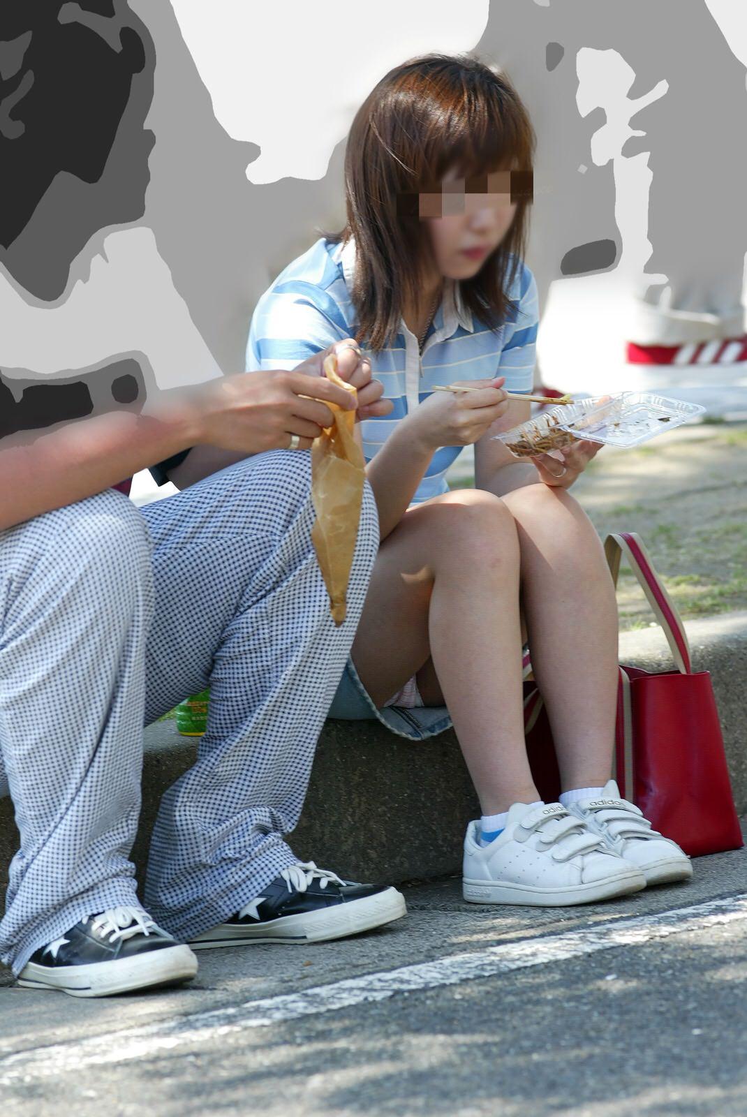公園行けばパンチラ取り放題だぞぉーwww素人のパンツ盗み撮りだぁーwww 09103