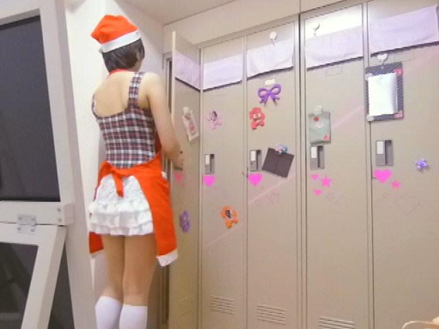 メイドキャバクラの女子更衣室を隠し撮り!!ギャルが全裸すっぽんぽんでお着替えwww 1423