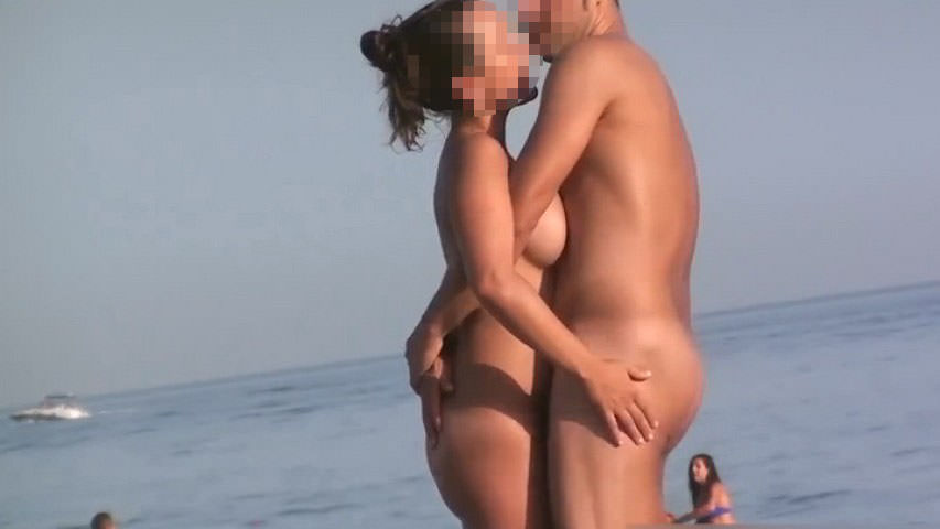 ヌーディストビーチでガチでSEXしちゃう素人の外人さんwwwwwww 2318