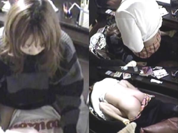 これはやば過ぎだろ!!ネットカフェでエッチしてるカップル隠し撮り成功wwwww