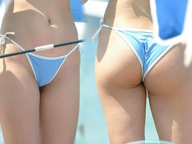 エロギャルが待ち遠しいwww夏のビーチで露出が過激なビキニの素人娘www 2386