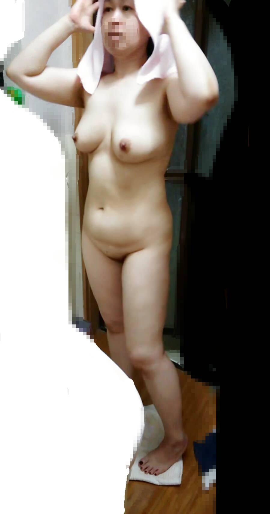 ワイの妻を家庭内でガチ盗み撮りwwwお風呂タイムがマジで狙い目www 0408