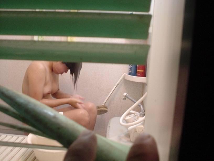 ワイの妻を家庭内でガチ盗み撮りwwwお風呂タイムがマジで狙い目www 0415