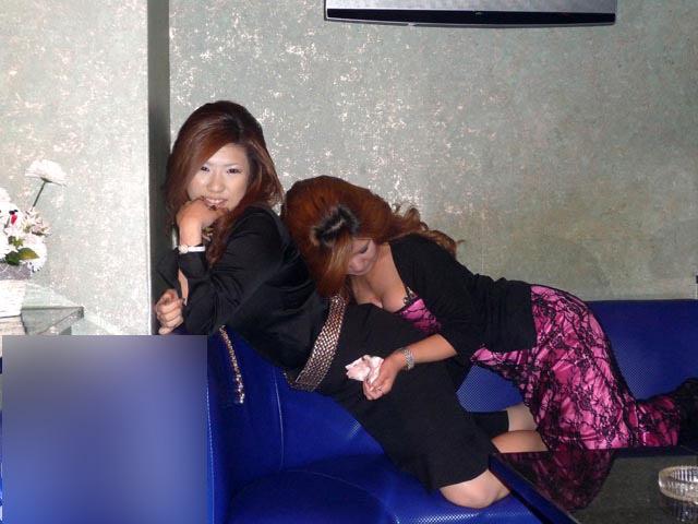 ピンクコンパニオンのお遊びを初めて経験した結果www上司にフェラ見られて超気まずいwww 1036