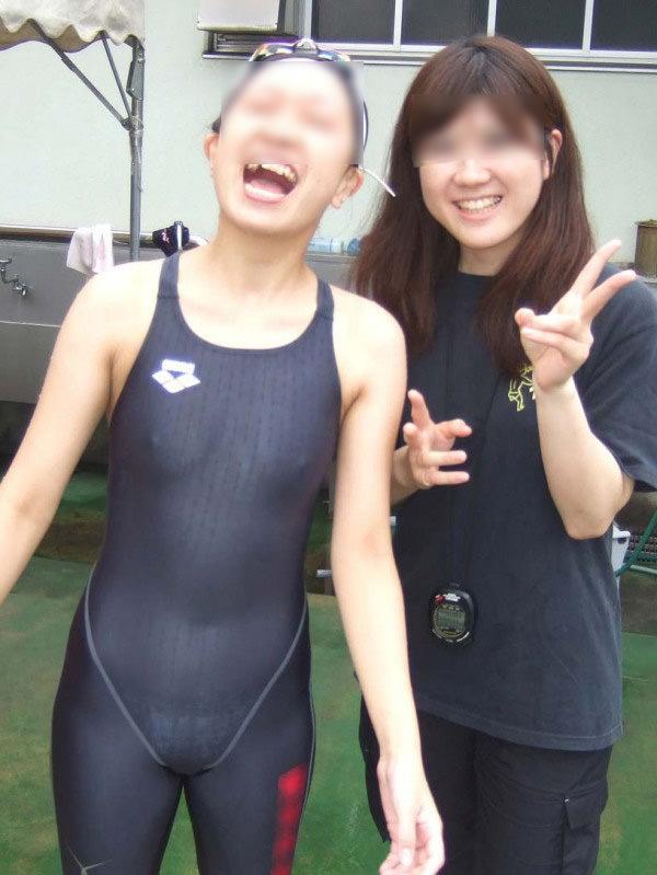 乳首ポチっと浮き出た水泳部女子の競泳水着がイケてるぜぇーwww 2222