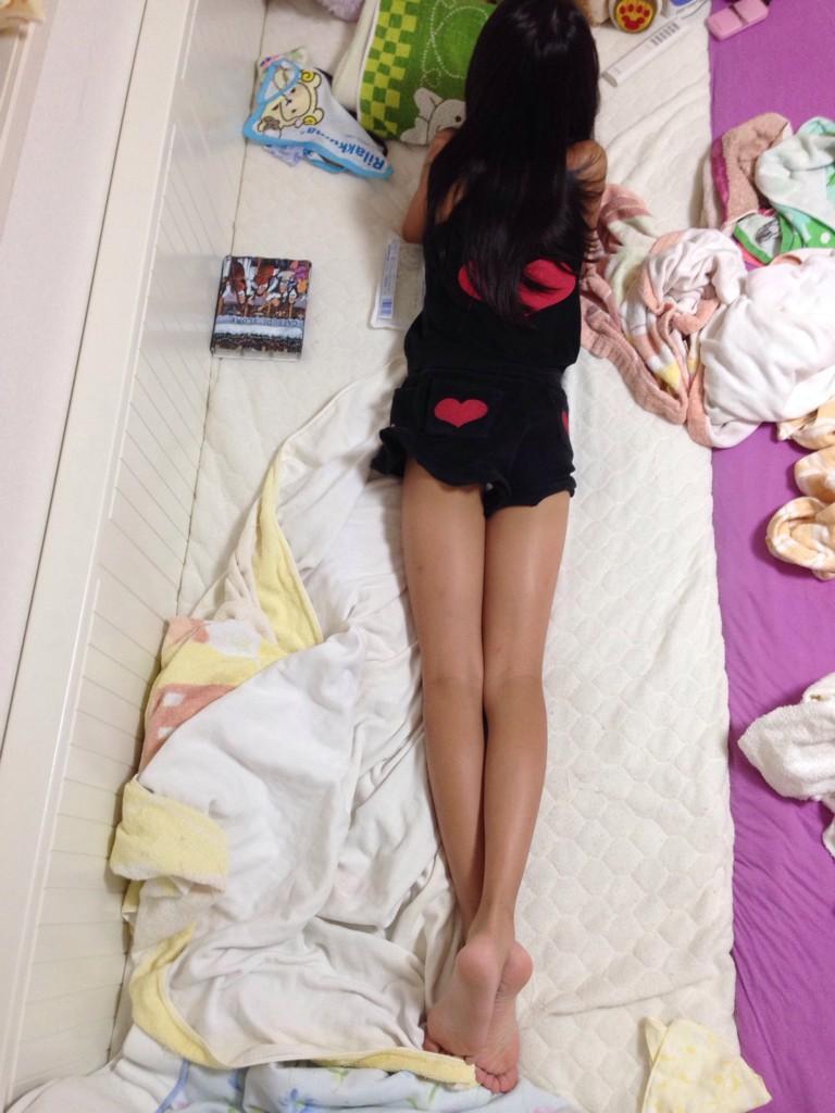 目の保養になる女子高生の裸足画像だぁーwww FGNwT0Q