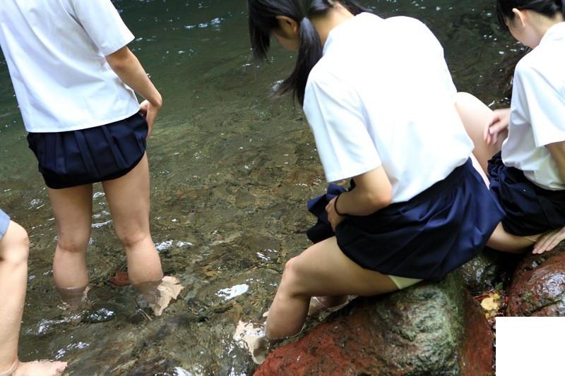 女子高生の青春はうるわしいパンツの色wwwwwwww foBQI2N