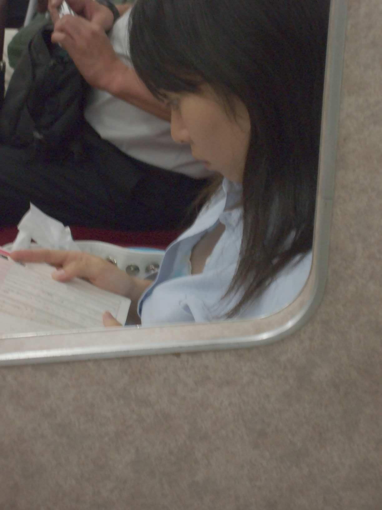 電車内で本当にあったヤバイエロ画像wwwwwwwwwwwwwww 1FxkpyW