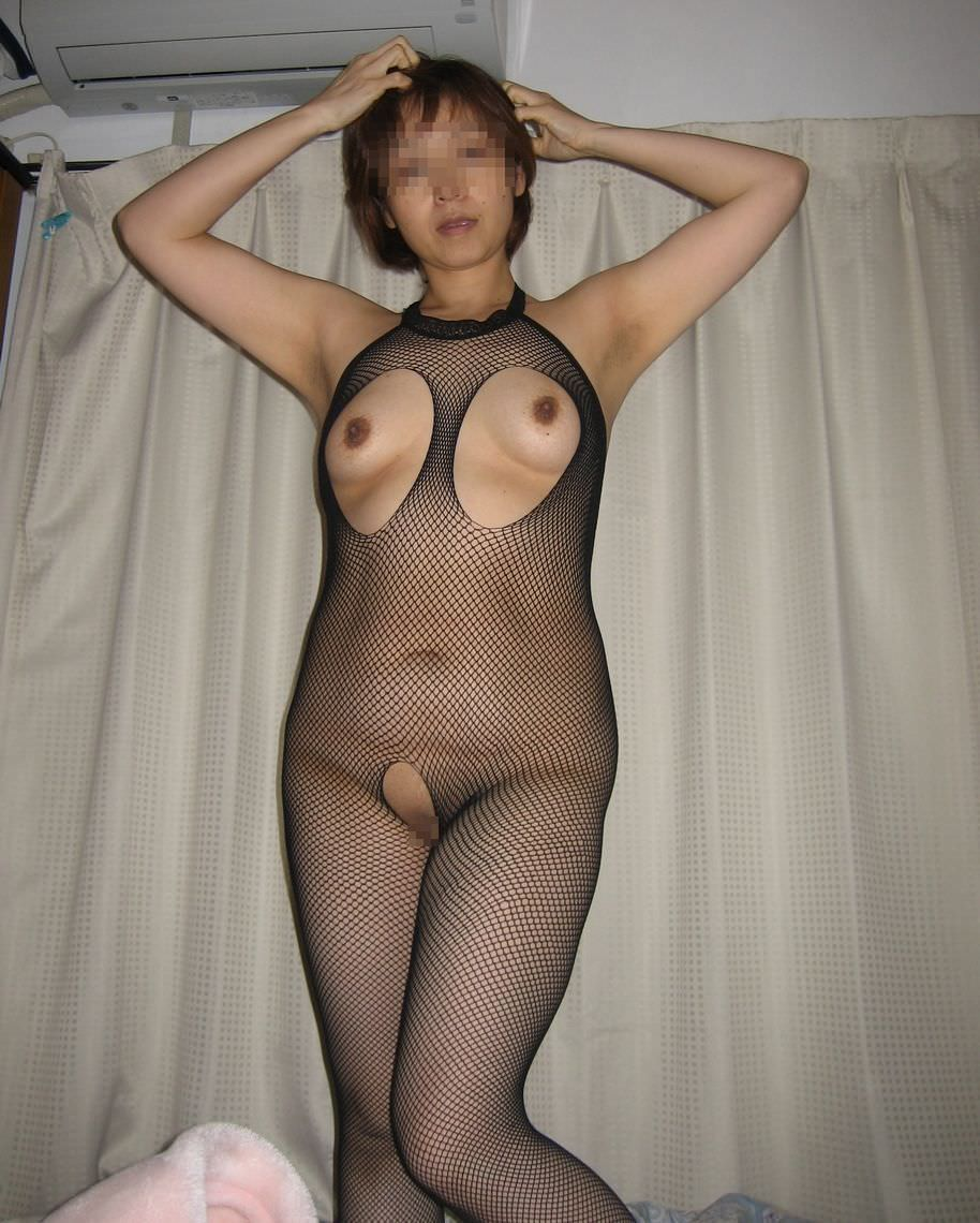 素人熟女のだらしない体を引き締める全身網タイツがエロすぎる件wwwwwww 23116