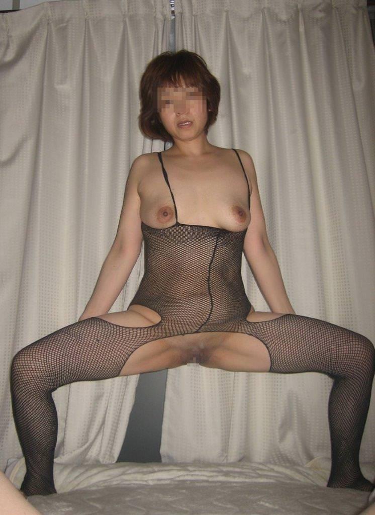 素人熟女のだらしない体を引き締める全身網タイツがエロすぎる件wwwwwww 23117