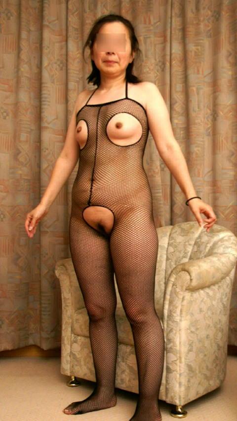 素人熟女のだらしない体を引き締める全身網タイツがエロすぎる件wwwwwww 23121